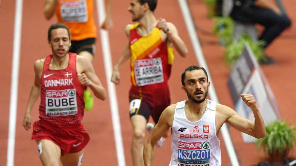 Álvaro de Arriba gana el bronce en una final de 800 metros enconada